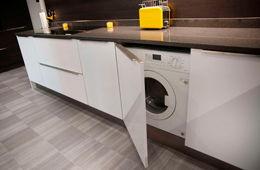 Установка стиральной машины на кухне Пушкино